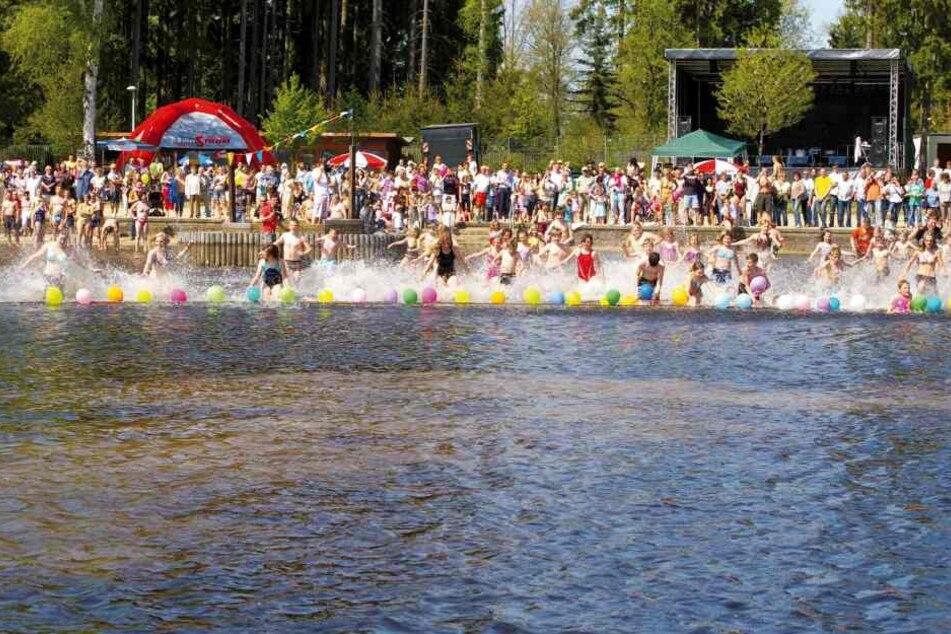 Am Samstag sollte das traditionelle Anbaden im Strandbad Filzteich stattfinden. Die Veranstaltung wurde nun um zwei Wochen verschoben.