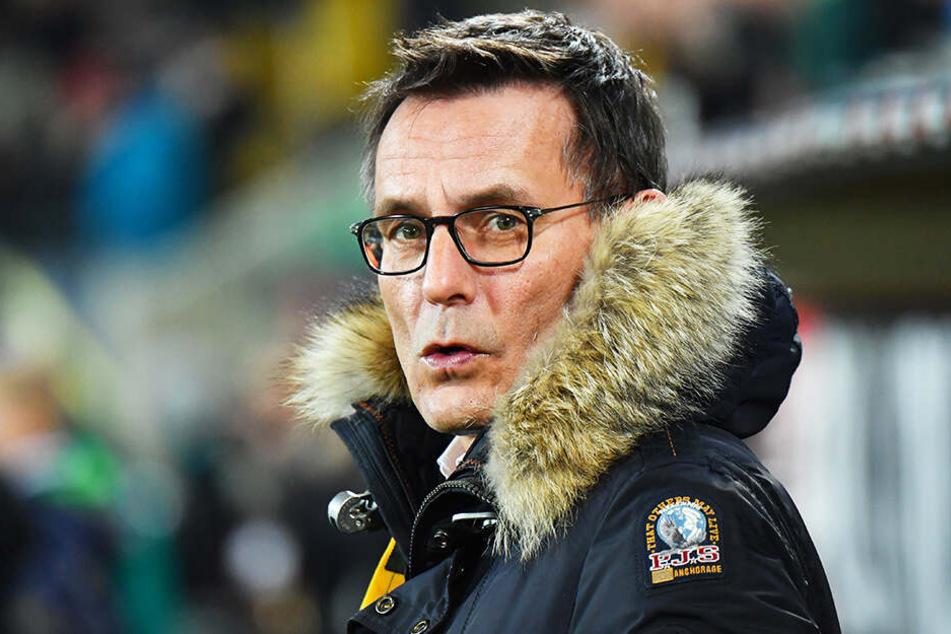 Dynamos kaufmännischer Geschäftsführer Michael Born ist für den Videobeweis - sofern dieser funktioniert.