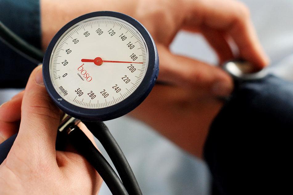 Machen die neuen Blutdruck-Richtlinien in den USA aus gesunden Menschen kranke Patienten?
