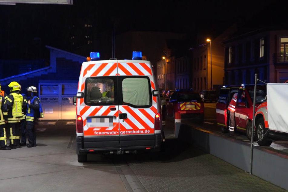 Der Fahrer des Tanklasters kam vorsorglich in ein Krankenhaus.