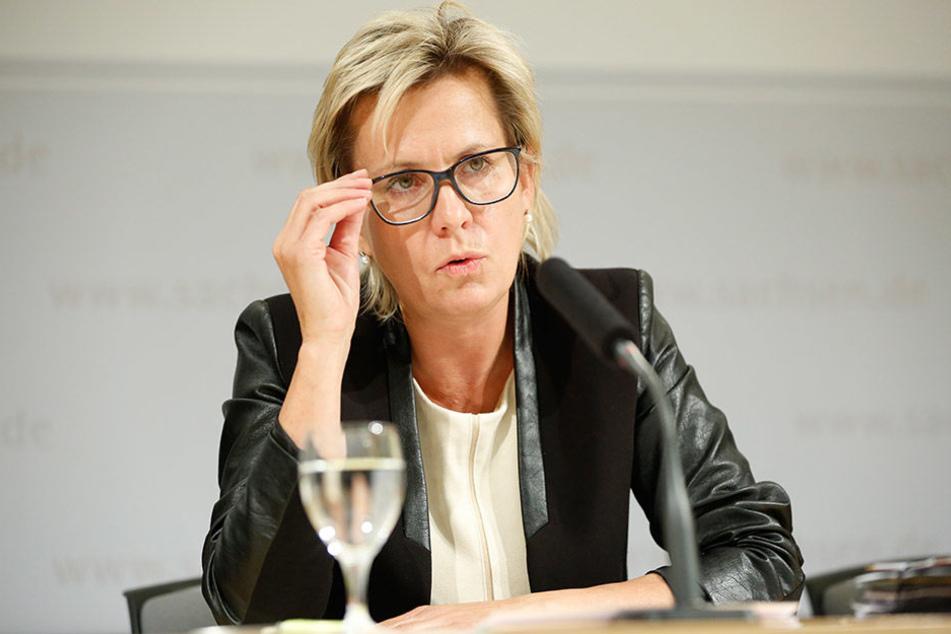 Gesundheitsministerin Barbara Klepsch (51, CDU) rät zu gründlichem Händewaschen.