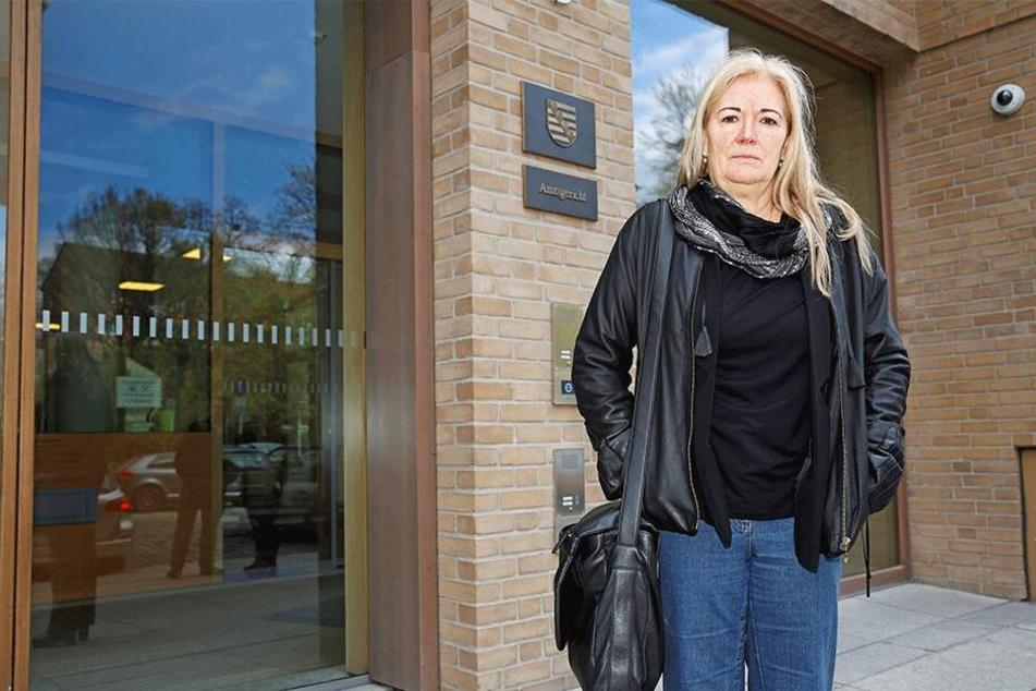 Barbara Lässig (62, parteilos) vorm Amtsgericht.