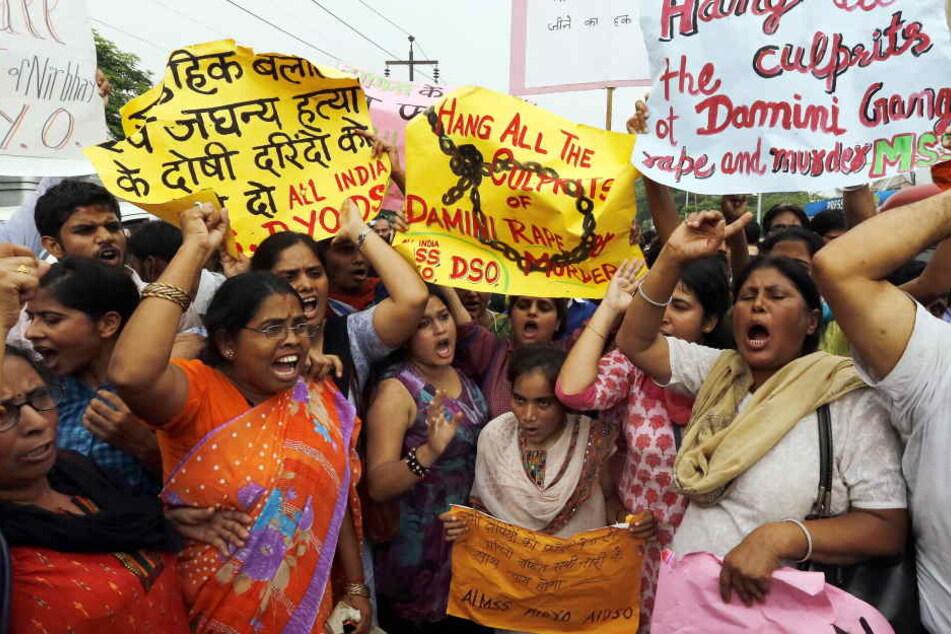 Das oberste Gericht in Indien hat für vier Täter eines Vergewaltigungsfalls von 2012 die Todesstrafe bestätigt. (Symbolbild)