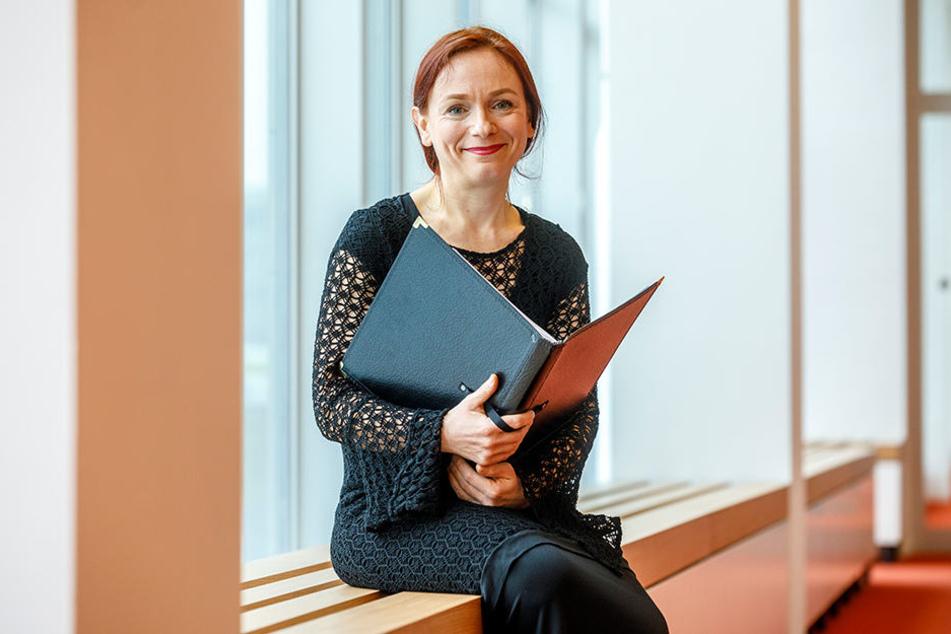 Singt zusammen mit Roland Kaiser: Die persönliche Referentin von OB Hilbert,  Gerit Thomas (44).
