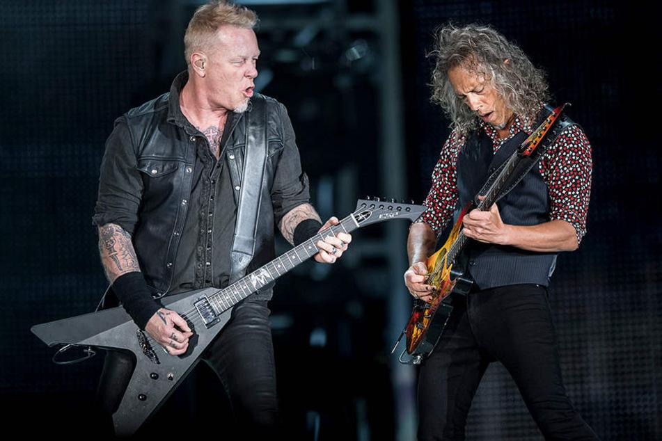 James Hetfield (l.) und Kirk Hammett werden die Arena Leipzig im Frühjahr 2018 zum Beben bringen.