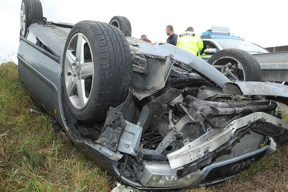 Suff-Unfall auf der A4 bei Dresden: Audi überschlägt sich