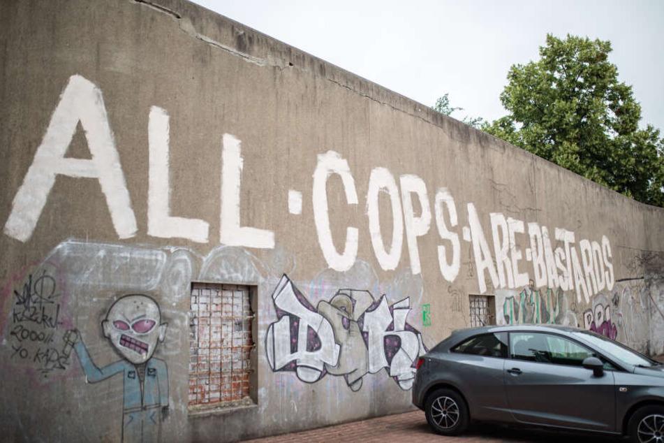 Gegen solche Graffiti will die Polizei Bochum stärker vorgehen.