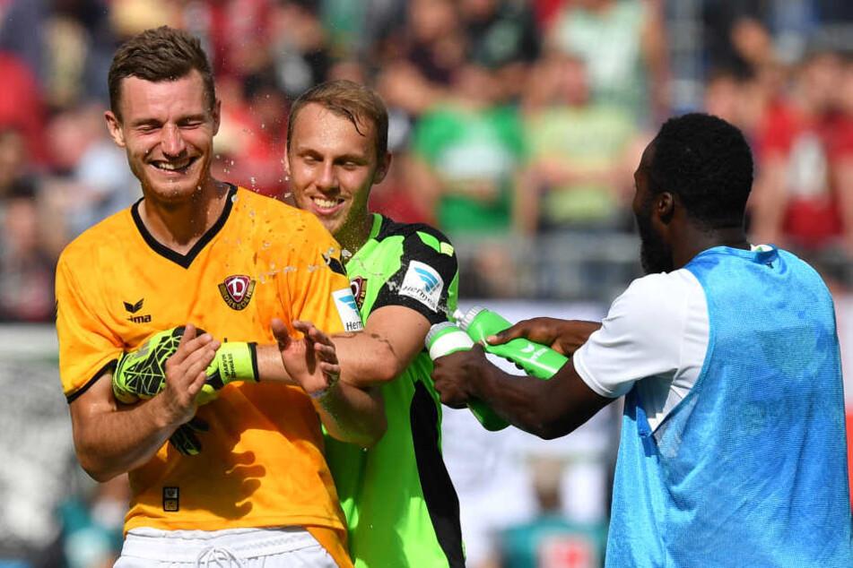 Florian Ballas war in Hannover nach seinem Traumtor ein gefeierter Mann.