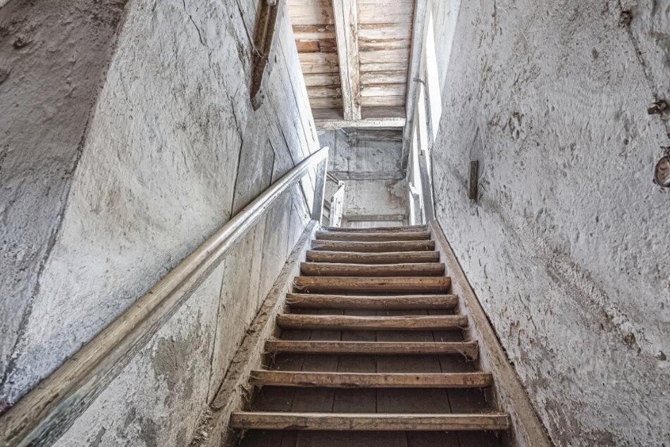 Offenbar hat sich mindestens eine Person in das Haus geschlichen und auf dem Dachboden gewohnt. (Symbolbild)