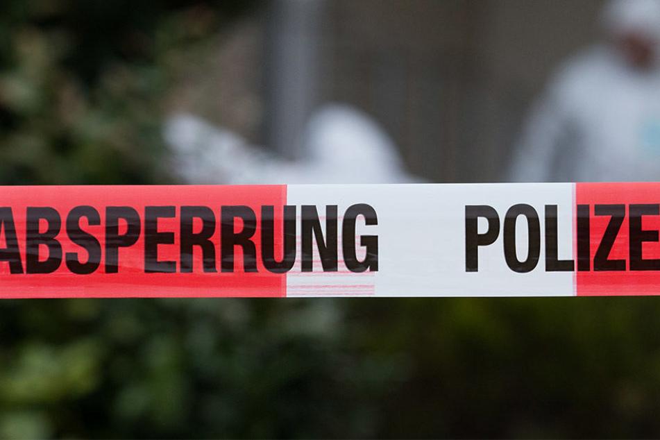 Polizei findet Frau tot in ihrer Wohnung: Ehemann festgenommen