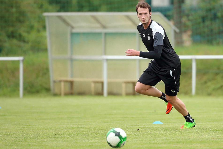 Seit Mittwochvormittag spielt Dimitrios Ferfelis beim FSV Zwickau vor.