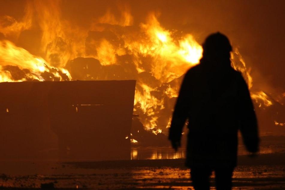 Vier junge Menschen sind bei dem Brand ums Leben gekommen. (Symbolbild)