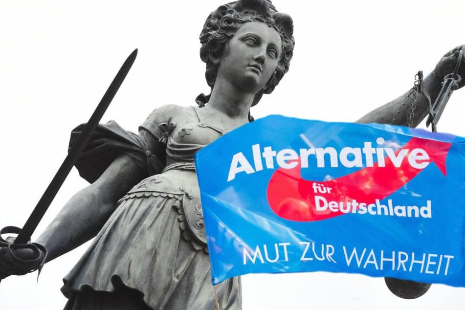 """""""Mut zur Wahrheit"""" vor Gericht hatten zwei AfD-Aktivisten am Mittwoch nicht (Symbolbild)."""