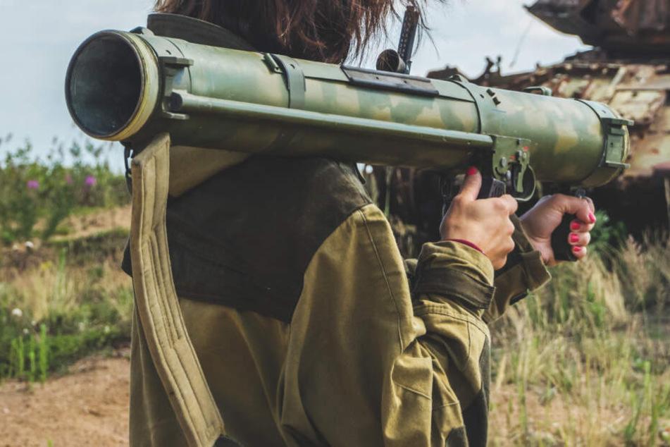 Es geht um die verbotene Einfuhr von Panzerabwehrwaffen samt Munition (Symbolbild).