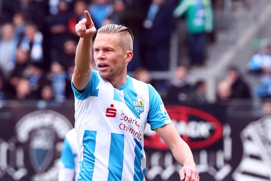 Dennis Grote will mit dem CFC in die 3. Liga. Sportlich spricht nichts dagegen. Erhält der Verein vom DFB die Zulassung, steigt Mitte Mai die Aufstiegsparty - mit Stargast Mickie Krause?