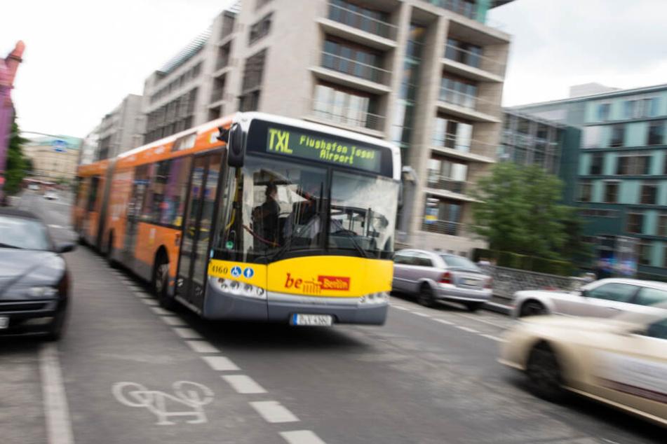 Frau will Bus erreichen, dann nimmt das Unglück seinen Lauf