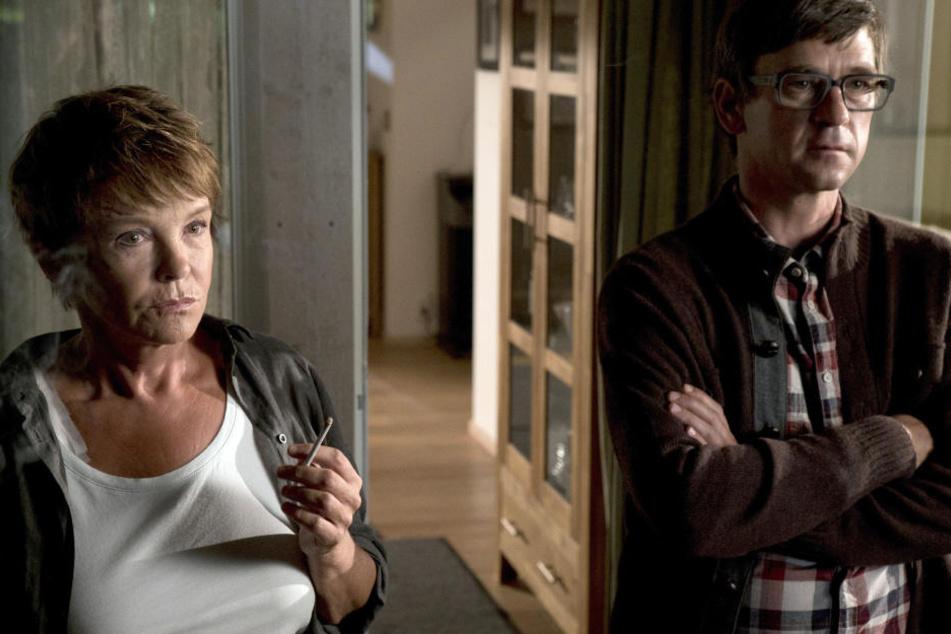 Peter Schneider spielt Karin Lossows (Katrin Sass) Schwiegersohn Stefan Thiel. Den Sachsen führte einst ein polizeilicher Sommerdienst auf die Urlaubsinsel, wo er sich verliebte.