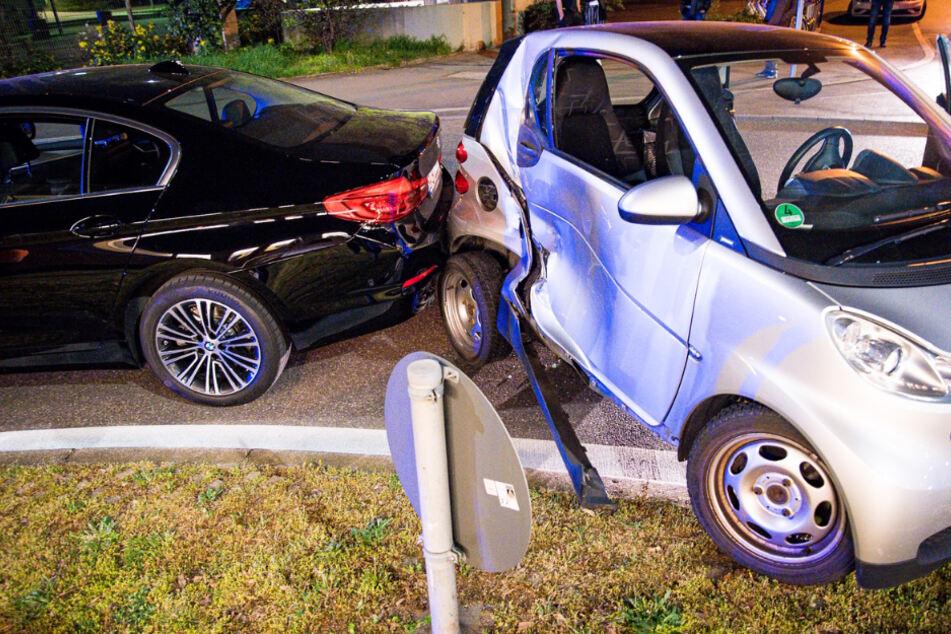 Mit dem Smart kollidierte sie schließlich noch mit einem BMW.
