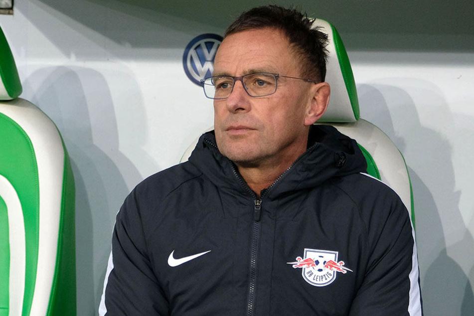 Trainer Ralf Rangnick muss beim Achtelfinale m DFB-Pokal auf einige seiner Kicke verzichten.