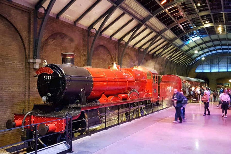 Der Hogwarts Express steht schon bereit.