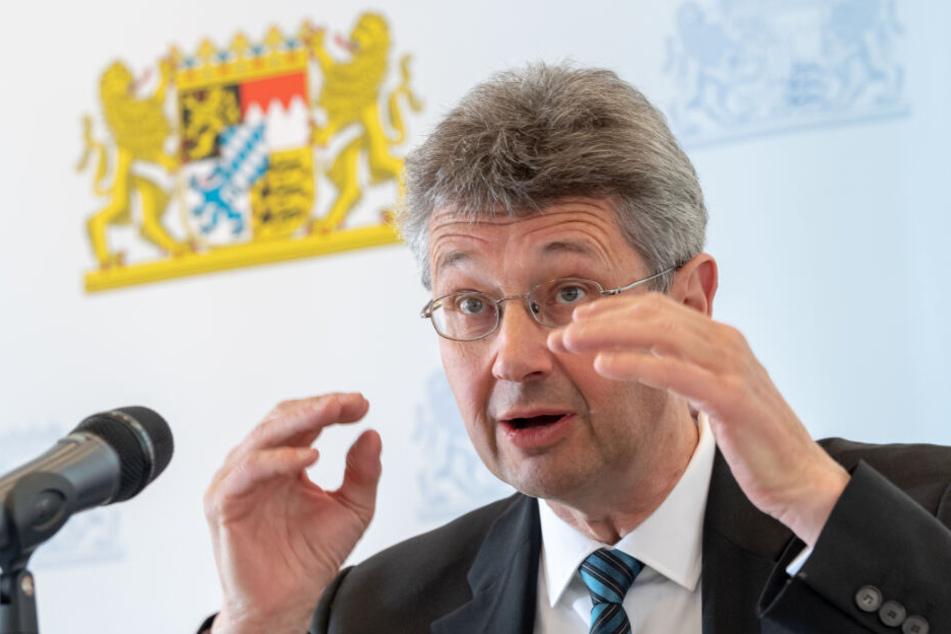 Michael Piazolo (Freie Wähler), Staatsminister für Unterricht und Kultus, sieht keinen Handlungsbedarf beim diesjährigen Mathe-Abi in Bayern.