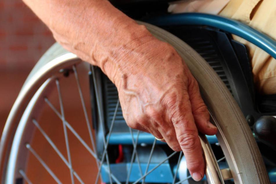 Hybrid-Gleise könnten etwa Rollstuhlfahrern das Bahnreisen erleichtern. (Symbolbild)