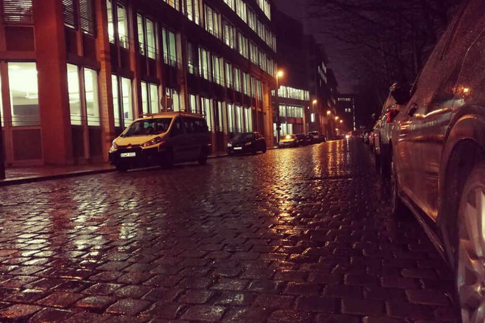 Die Pflastersteine in der Eilenburger Straße ärgern Autofahrer, Radfahrer und Anwohner. Sowohl die Straße, als auch die Gehwege bekommen einen neuen Belag.