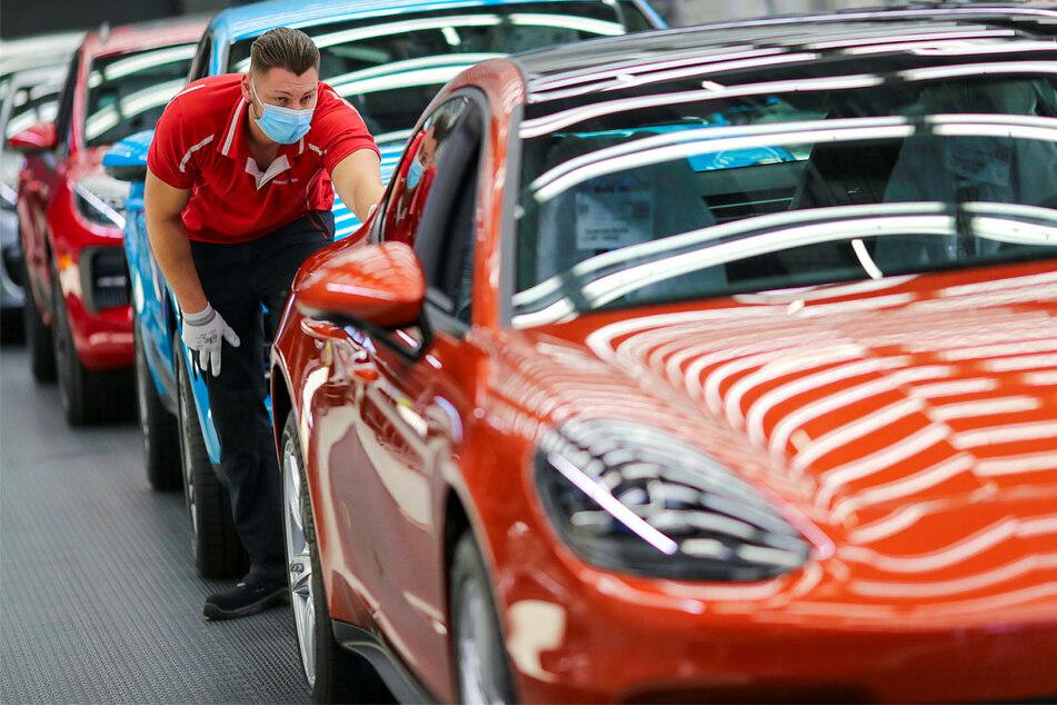 Erfolg für Arbeiter! Porsche-Werk Leipzig reduziert Arbeitszeit
