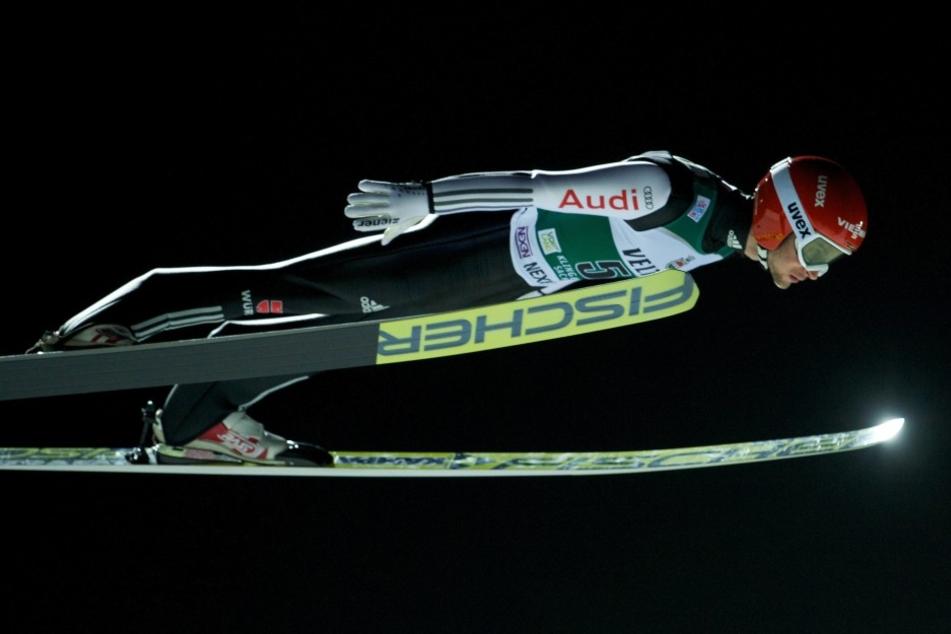 Markus Eisenbichler und die DSV-Adler flogen in Klingenthal auf den zweiten Rang.