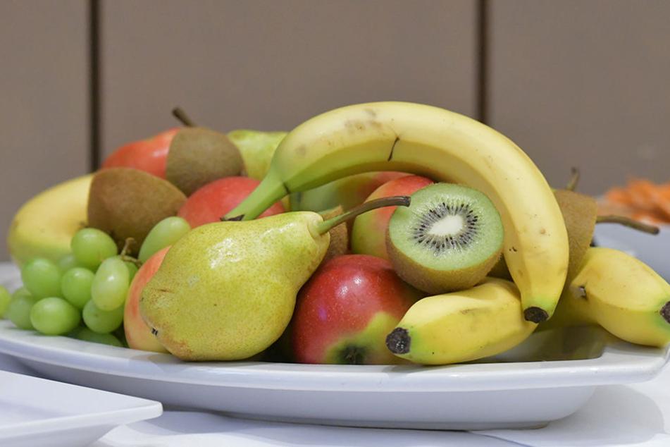 Auf die Ernährung kommt's an. Zuckerarme Obstsorten wie Äpfel, Birnen oder Beeren können auch Diabetiker problemlos genießen.