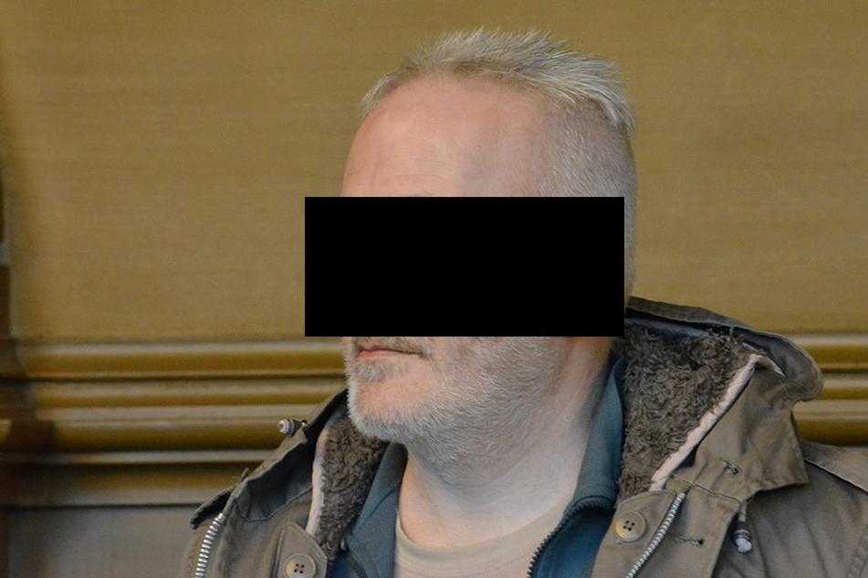 Diesem Mann wird vorgeworfen ein damals 13-jähriges Mädchen entführt und vergewaltigt zu haben.