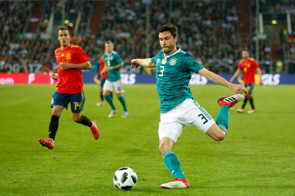Jonas Hector (27) beim Länderspiel gegen Spanien am 24.03.18