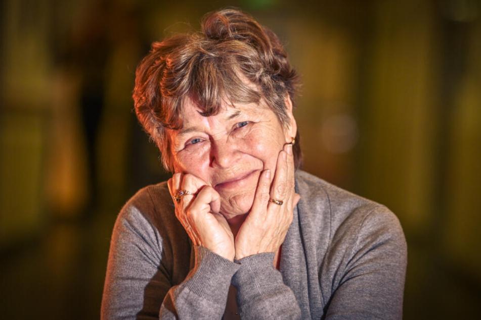 """""""Ein Segen"""": Jutta Poisel (69) erhielt für ihr krankes rechtes Auge die Hornhaut eines Toten, kann wieder klar sehen."""