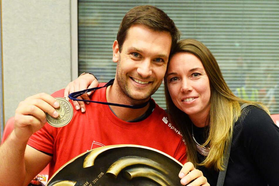 Co-Trainer Masek - hier mit seiner FreundinLucie Muhlsteinova - verlässt den DSC-Trainerstab.