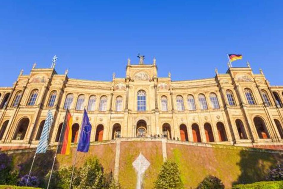 Erwachen des Grauens im Münchner Landtag.