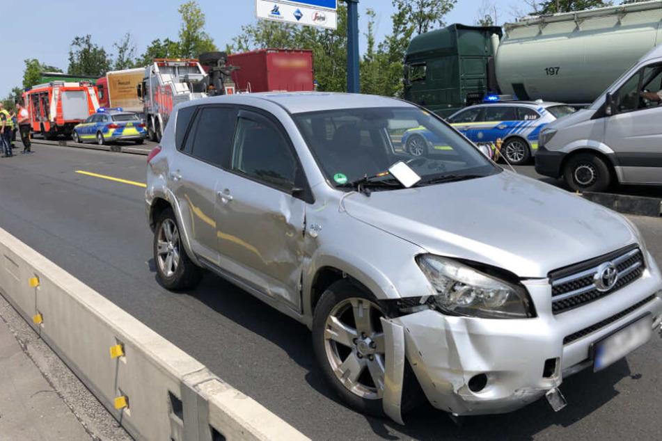 Die Insassen des Wohnwagen-Gespanns wurden nicht verletzt.