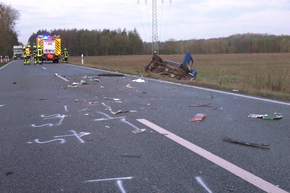 Der Fahrer des SUV starb in Folge des Frontalzusammenstoßes.