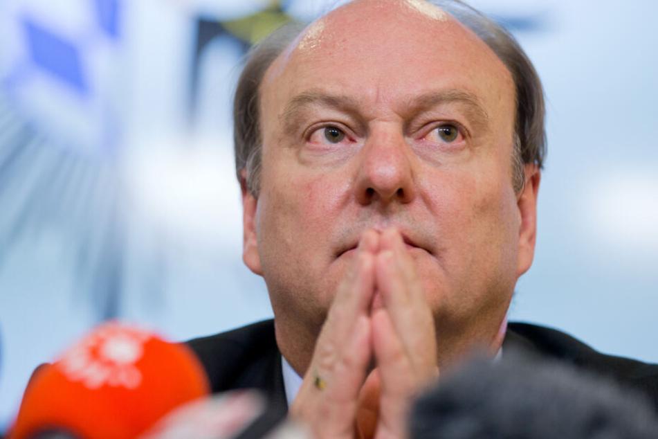 Münchens Polizeipräsident Hubertus Andrä ist aufgrund des Verdachts erschüttert.