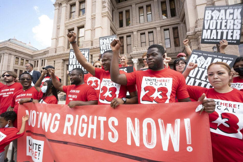Texas legislature passes Republican-sponsored restrictive voting bill