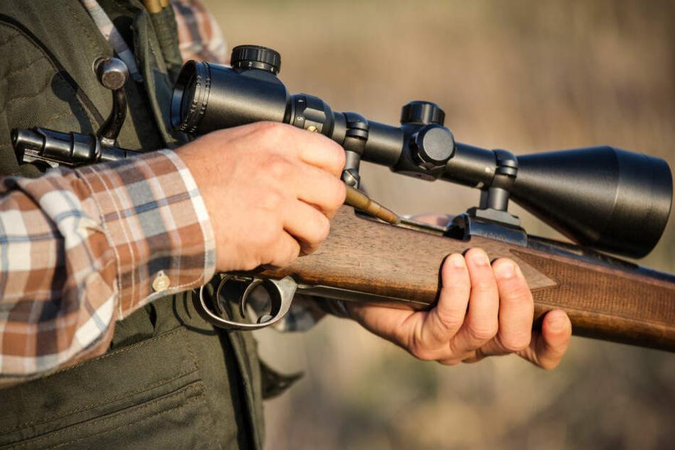 Der Schuss löste sich im Vorbereitungsraum, als ein Mann mit dem Gewehr hantierte.