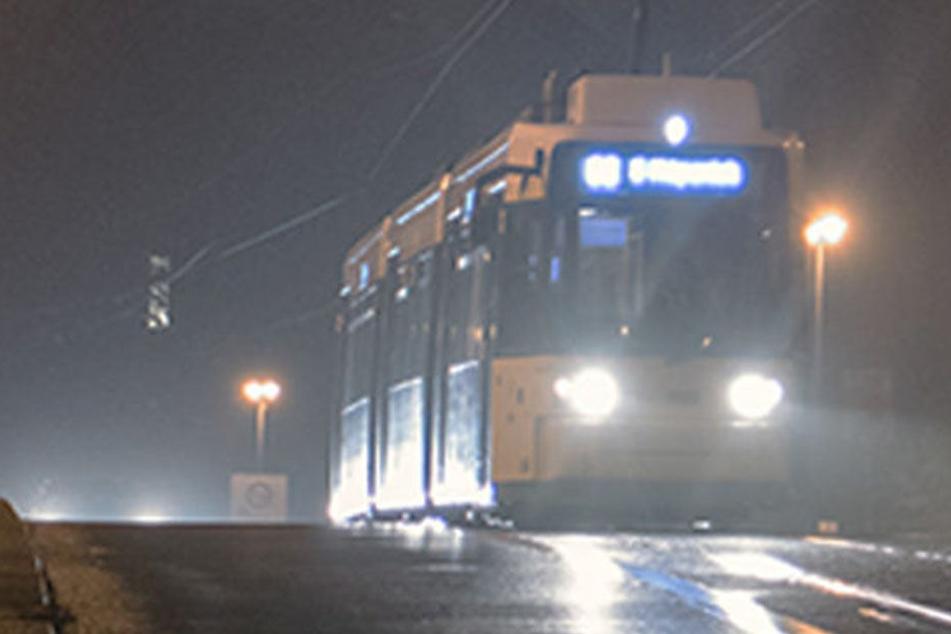 Ein Tram hat in der Nacht zu Mittwoch einen Fußgänger überrolt. (Symbolbild)