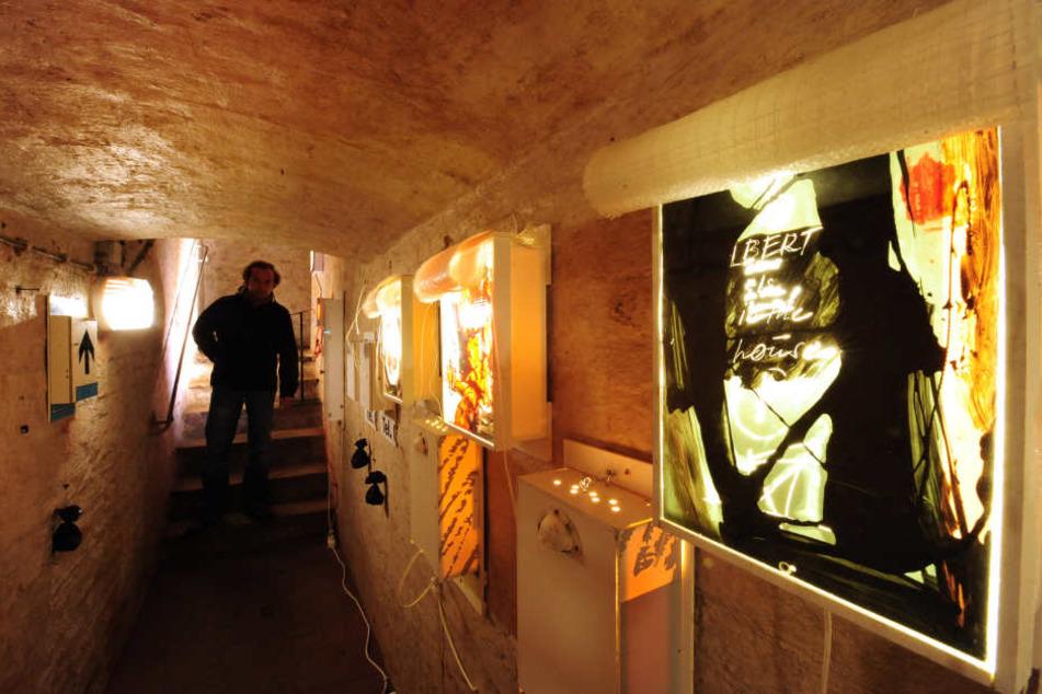 Jährlich kommen tausende Besucher zur Geraer Höhler-Biennale und betrachten Kunst unter der Erde.