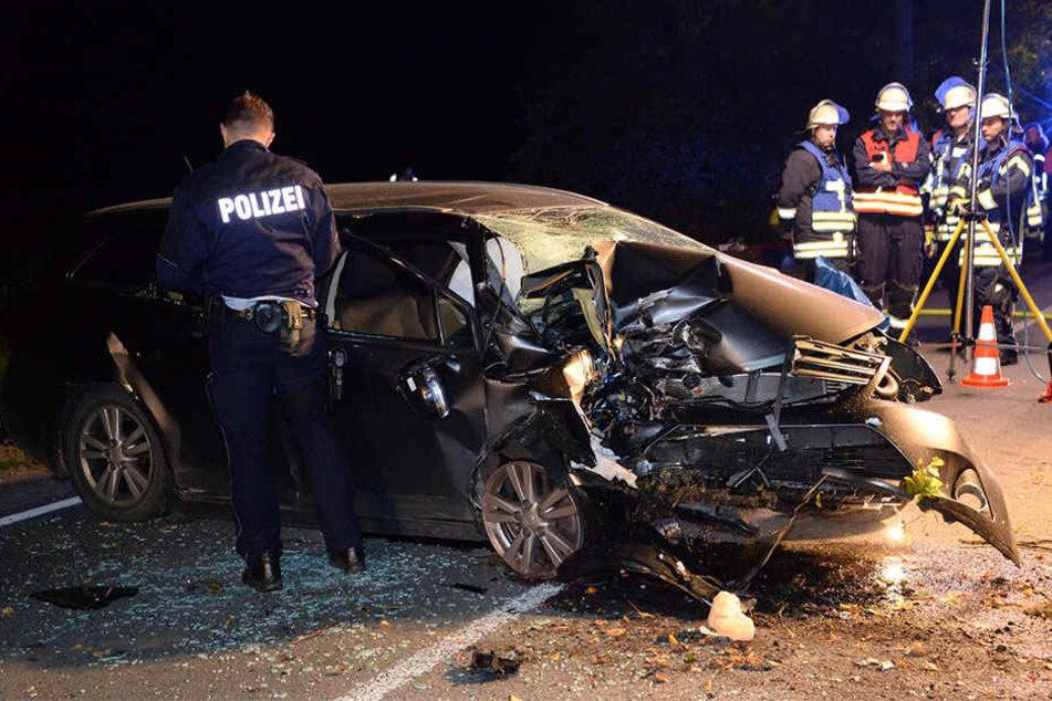 Die Polizei sperrte die Unfallstelle für mehrere Stunden.