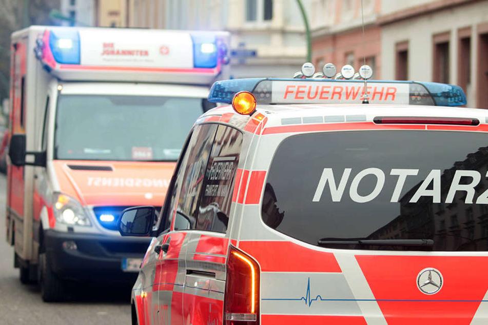 In Leipzig hat ein betrunkener Fahrer einen Unfall gebaut. Vier Personen wurden verletzt. (Symbolbild)