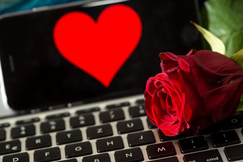 Im Internet wartet nicht nur die große Liebe. (Symbolbild)