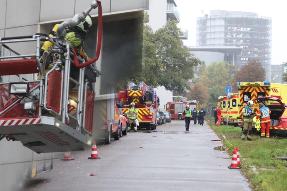 Wohnung in Dresdner Altstadt in Flammen: Mann tot geborgen