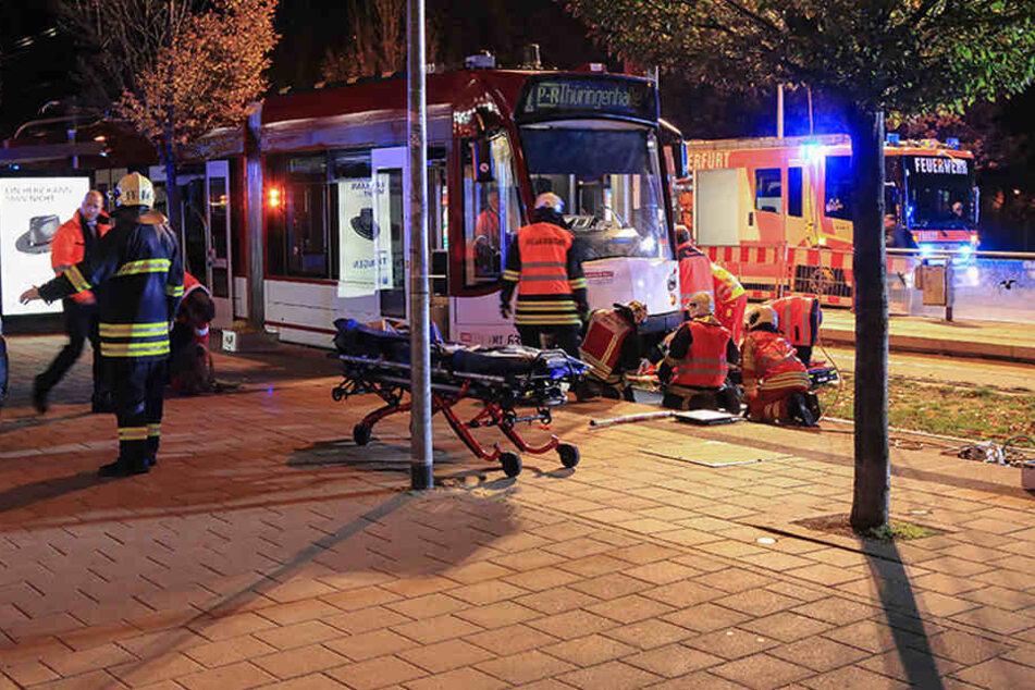 Bei dem Unfall wurde eine 21-Jährige schwer verletzt.