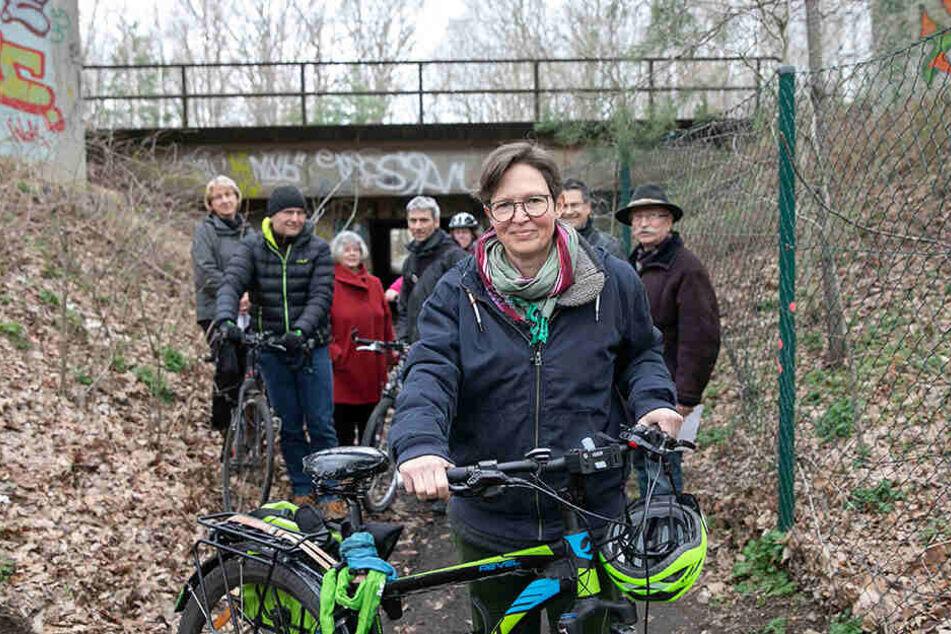 Stadträtin Ulrike Caspary (51, Grüne) kämpft mit Anwohnern für den Erhalt des Heidetunnels.