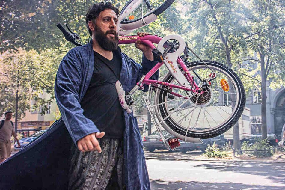 Schauspieler Kida Khodr Ramadan als Toni Hamady in einer Szene aus der 1. Staffel.