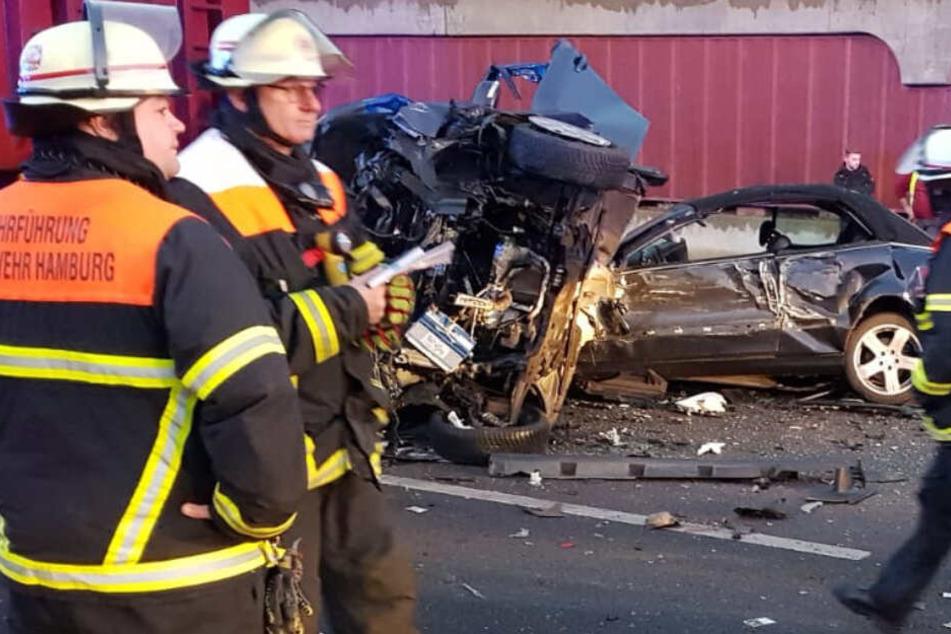 Autobahn nach Horror-Unfall mit mehreren Verletzten gesperrt